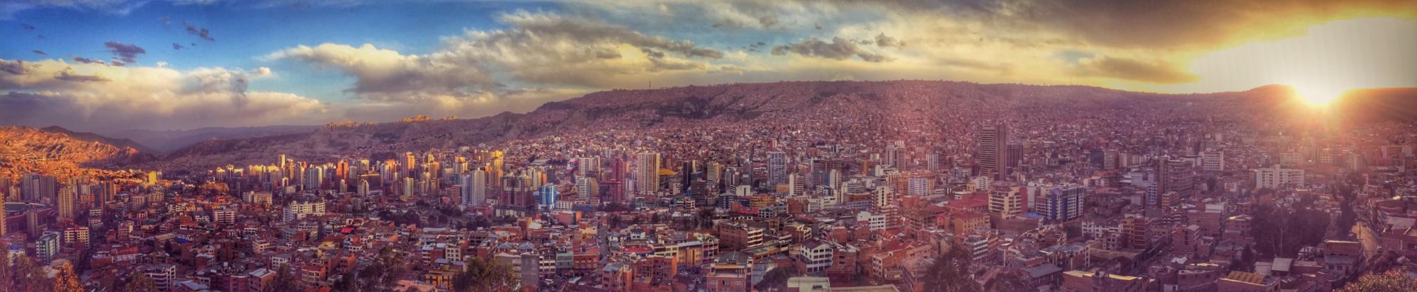 La_Paz_Panoramic_View_from_Killi_Killi_Lookout-e1467885788187